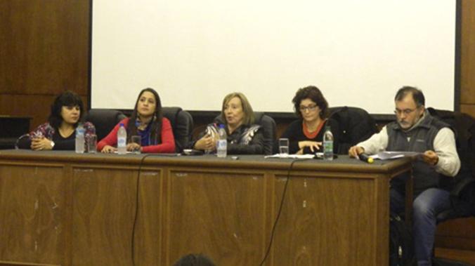 Mesa De Diálogo Sobre Universidad De La Educación