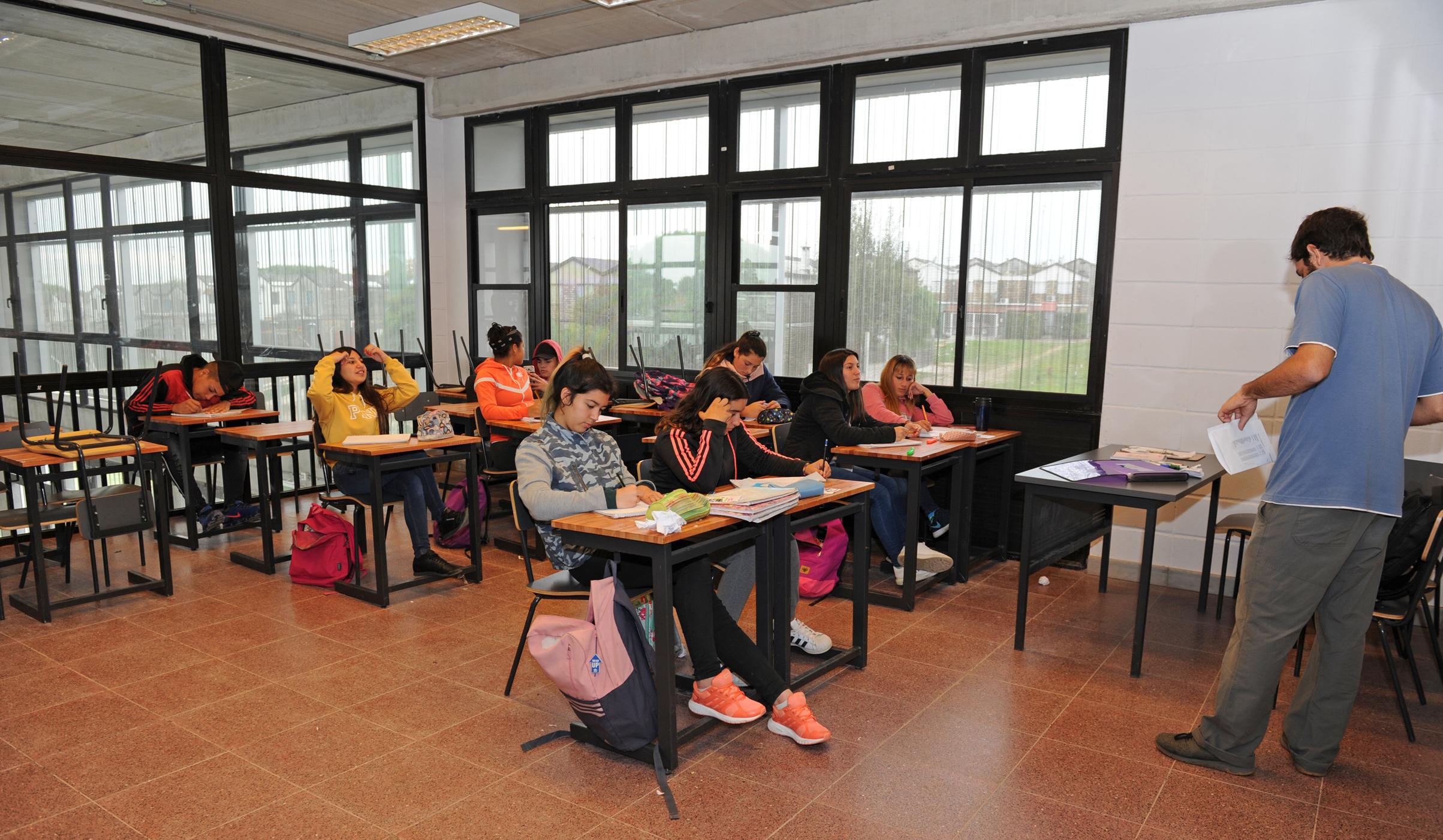 Nuevo Liceo En Piedras Blancas