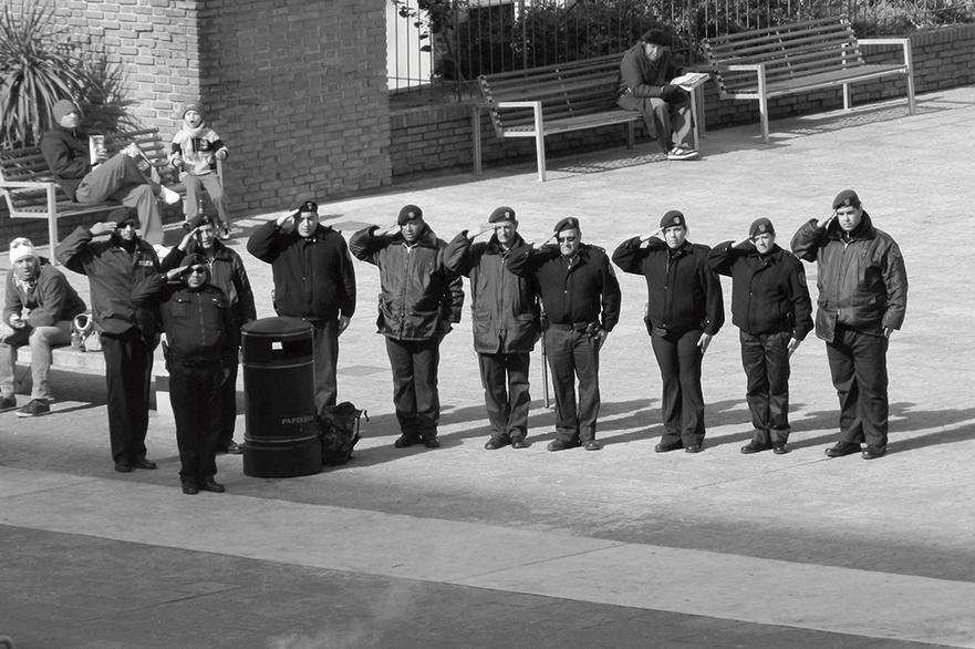 04 – POLICIAS HACEN LA VENIA.HIMNO NACIONAL. JUEGOS OLIMPICOS LONDRES 2012.