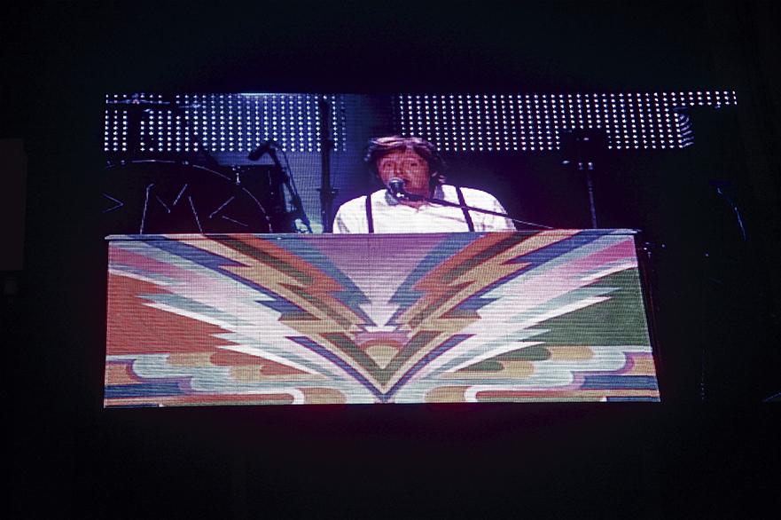 18 – PAUL MC CARTNEY, EN VIVO, DESDE EL ESTADIO CENTENARIO. 2012.