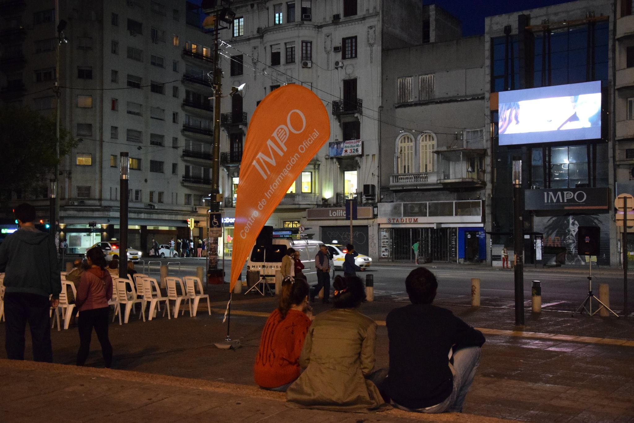 Televisión Y Pantallas En El Espacio Público
