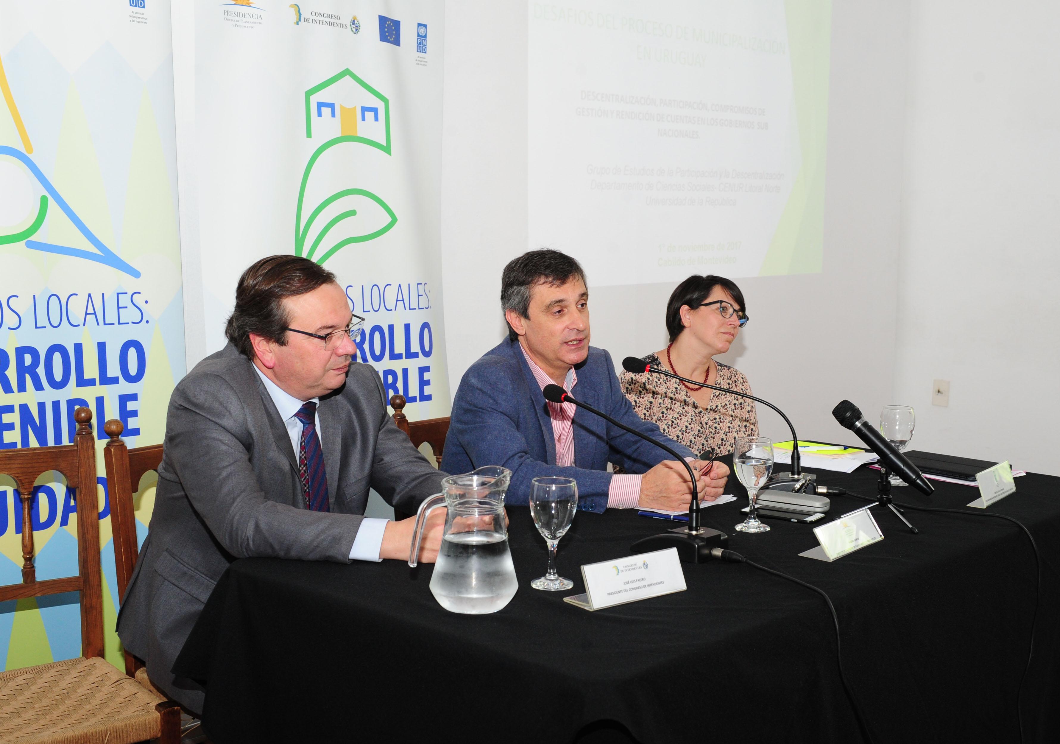 Proceso De Municipalización En Uruguay